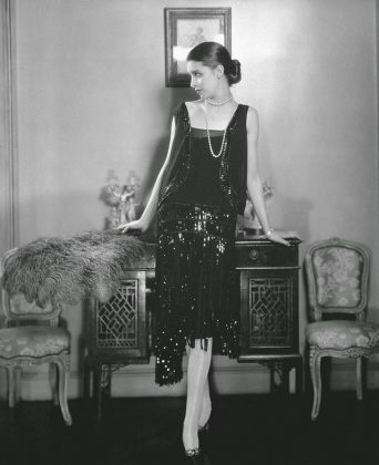 chanel petite robe noire